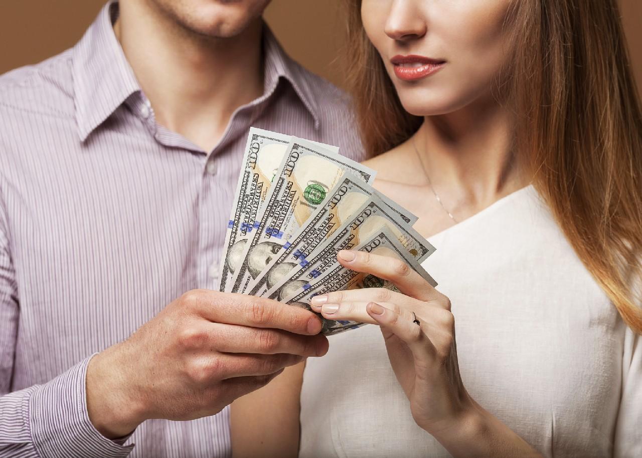 Amuletos Para Atraer El Amor Y El Dinero