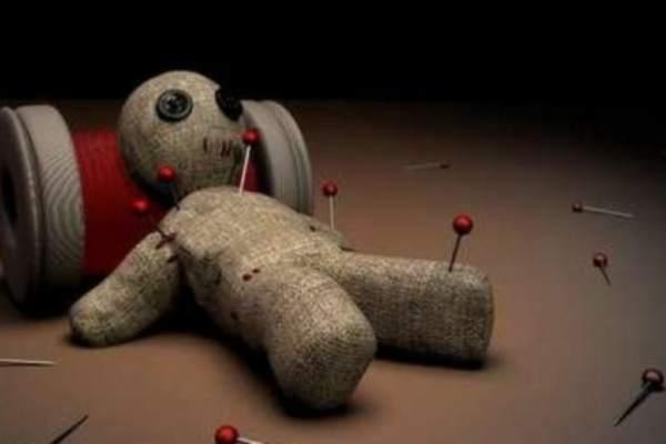 amarre de amor con muñeco