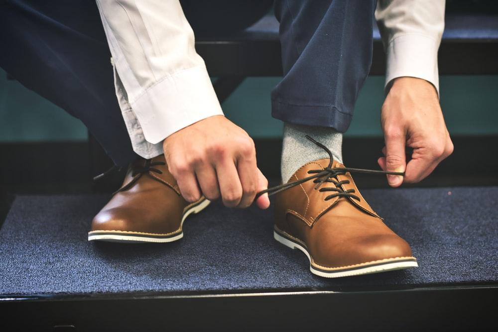 hoja de laurel dentro de los zapatos