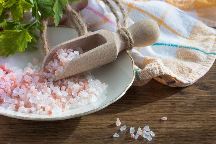 Ritual con sal para limpiar la casa