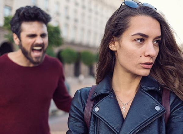 Cómo endulzar a una persona enojada y estresada